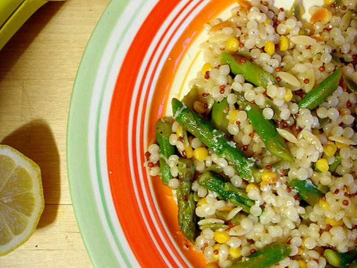 Quinoa salad with roasted asparagus | Ecomil